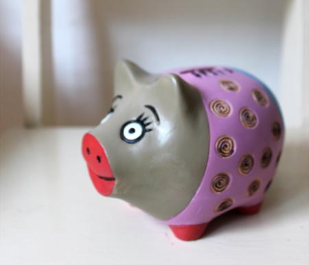 Flutter flutter diy piggy bank bookends for Piggy bank ideas diy